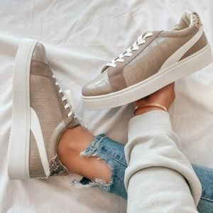Shoes - 🆕️Wild Side// animal print sneaker